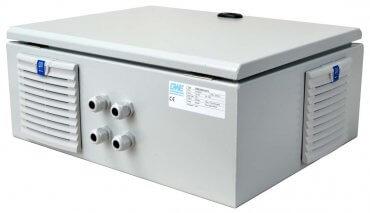 IP54 omvormer 36V naar 230V zuivere sinus 3200W, voorzijde rechts