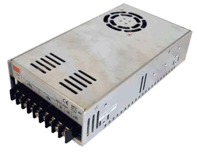 DC/DC converter 36V naar 24V 480W, 21A, geisoleerd, aanzicht linksvoor