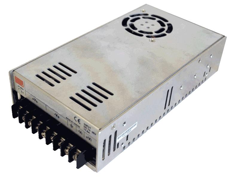 DC/DC converter 24V naar 24V 350W, 14,6A, geisoleerd, aanzicht linksvoor