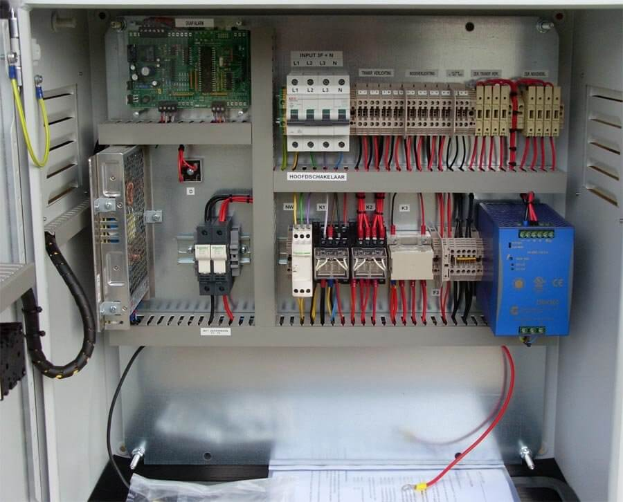 24v noodverlichting 500W, 3 fase, binnenkant
