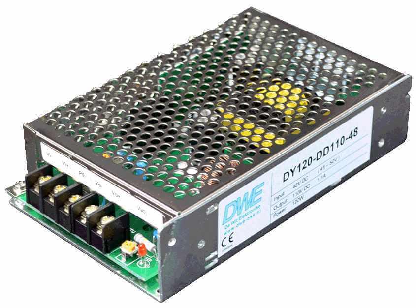 220V naar 110V DC/DC converter 1,1A, 120W galvanische scheiding, aanzicht rechtsvoor