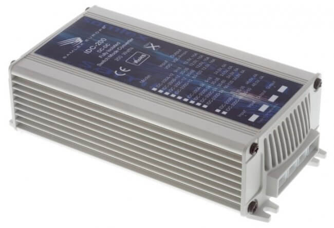 IDC-200 36V to 12.5V DC/DC converter 15A, 200W galvanic isolation, front left view