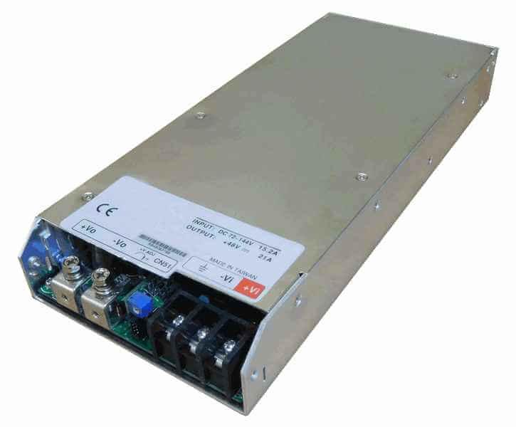 DC/DC converter 60V naar 12V 1000W, 60A, geisoleerd, aanzicht linksvoor