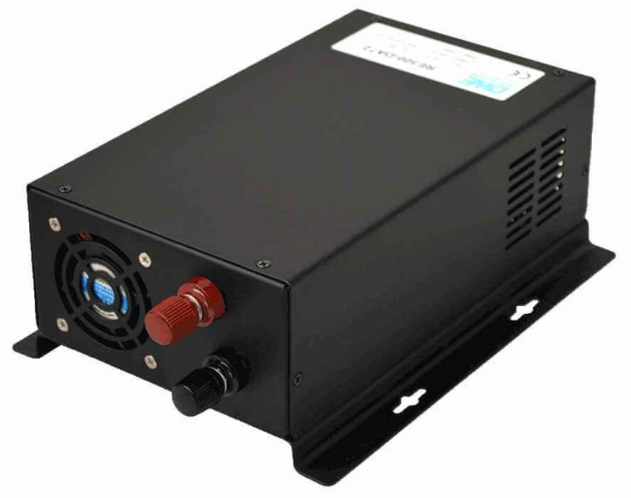 24V naar 230V omvormer 300W zuivere sinus achterzijde