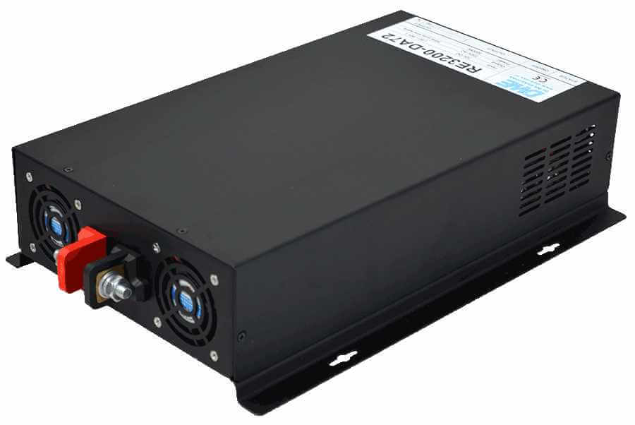 24V naar 230V omvormer 3200W zuivere sinus achterzijde